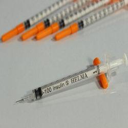 تصویر از سرنگ انسولین یکپارچه بسته بندی تکی حلما طب